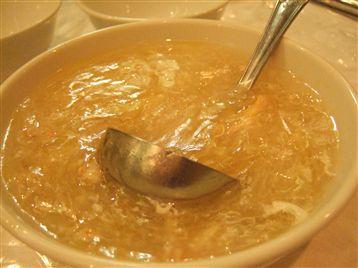 蟹とふかひれのスープ