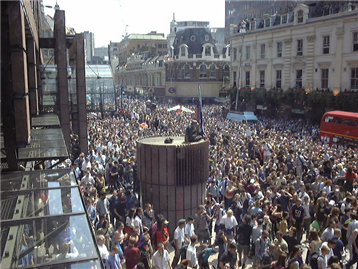 protesting-crowd-in-City-in-anti-corporate-demo-18-June-1999-at-Liverpool-Street-3-ANON_small.png