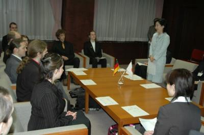 060412mitteku youth interaction courtesy call(4)s