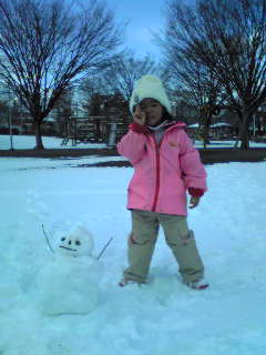Moyo made two snowmans.This is a child one.