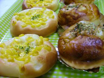 お好み焼きパン&コーンパン