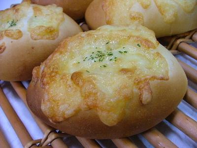 コーンチーズパン