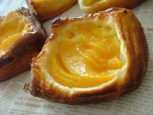 黄桃のデニッシュ