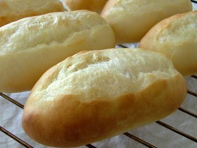 オリーブオイルのコッペパン