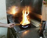 燃えるハンバーグ
