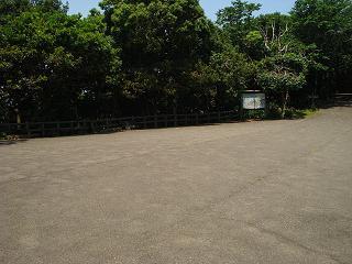 がらんとした猿公園