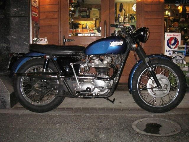 TRIUMPH 1969 TR6C