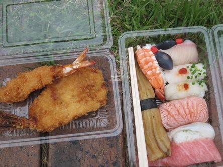 033お決まりのお寿司