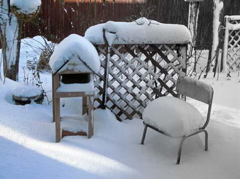 椅子に雪のクッション!