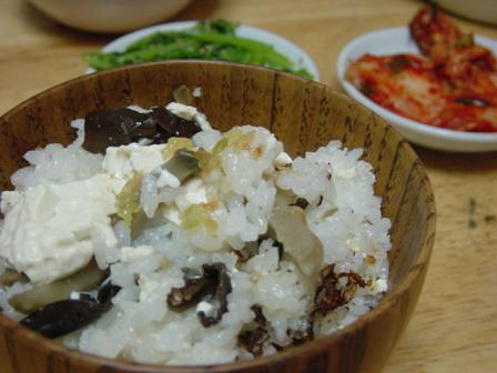 豆腐とザーサイの炊き込みご飯