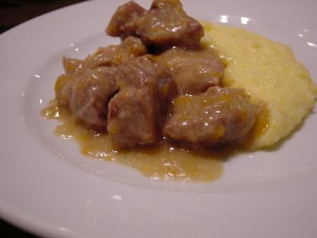 豚ヒレ肉の白ワイン煮込みポレンタ添え
