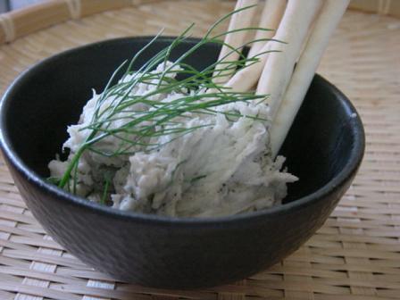 里芋のサラダとグリッシーニ