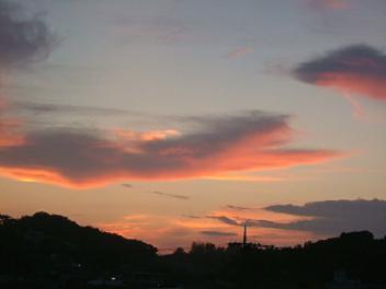 沖縄の朝焼けです。。