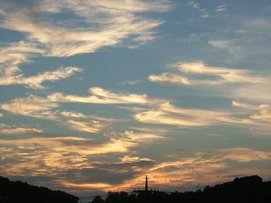 沖縄の 朝の空だよ