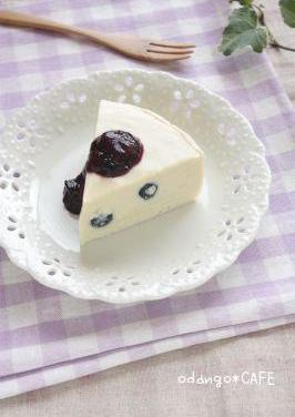 たっぷりブルーベリー♪レア豆乳ケーキ