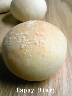 ウズラ卵のふわふわパン