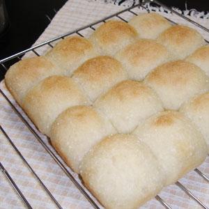 玄米粉入りのちぎりパン