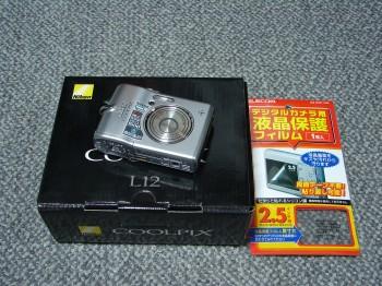 Nikon L12