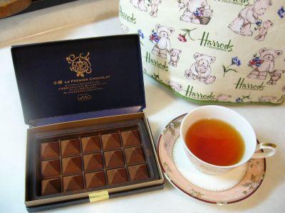 紅茶のチョコとほんものの紅茶