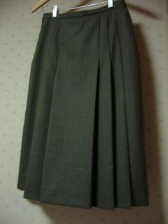 制服のスカートにも見える・・・(汗)