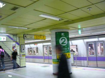 ソウルの地下鉄風景