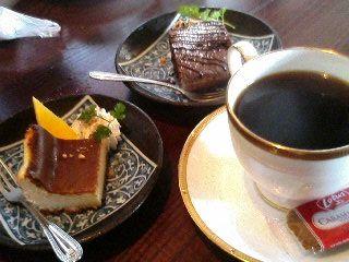 珈琲とプチケーキ