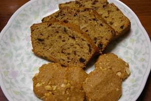 ナツメヤシケーキとピーナツクッキー