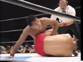 田村が逆に膝十字、