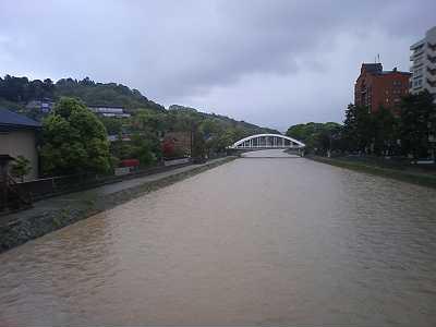 梅の橋からみた天神橋
