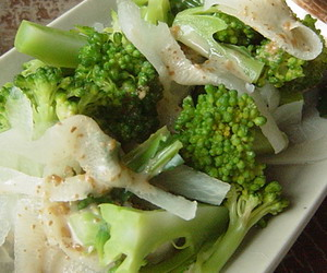 ブロッコリーと大根のサラダ