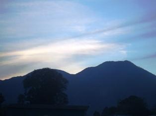 07年12月の夕焼けと夷守岳