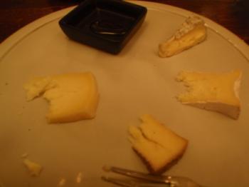 自家製チーズの盛り合わせ