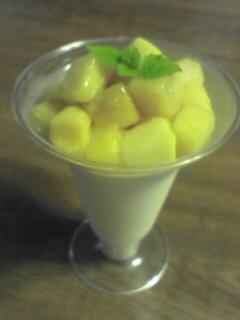 ココナッツプリン マンゴのせ