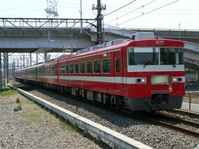 南栗橋駅に進入する臨時快速5041列車に充当された18型1819F