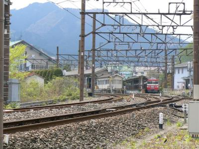 東武日光駅駅舎と留置中の18型