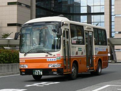 足立区役所~鹿浜都市農業公園線に充当された9808号車