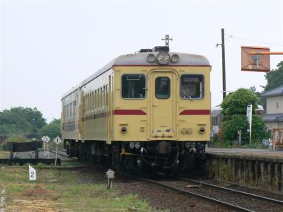 阿字ヶ浦駅で折返し待機中の110レ キハ2005+2004