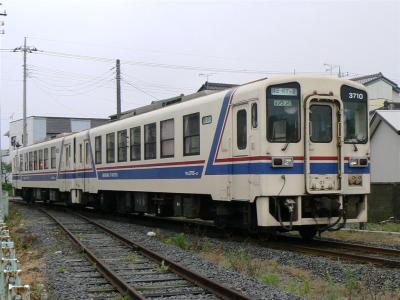 阿字ヶ浦駅に進入する3710型が充当された109レ