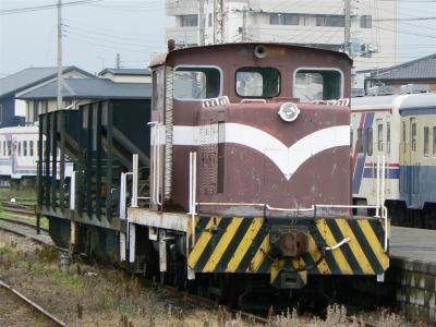那珂湊駅構内に留置されているケキ102+ホキ2両