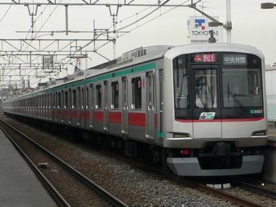 C1415K列車に充当された東急5000型 5107F