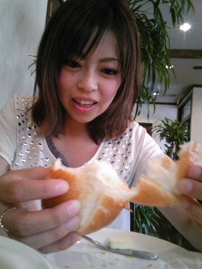 小川亭のパン