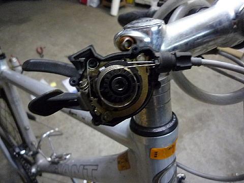 自転車の 自転車 ギヤ 交換 : 中はバネが入ってるのですね ...