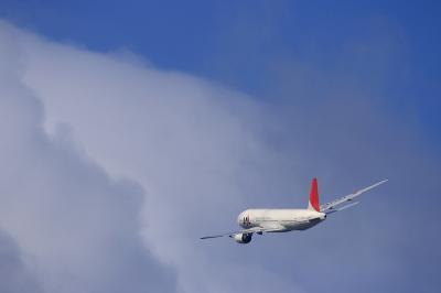 JAL B777-246 JL112@AFO(by EF100-400)