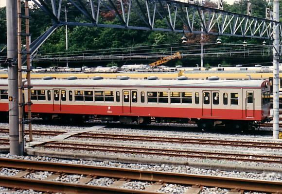 1988-571-002.jpg