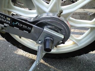 自転車の 自転車 チューブ交換 ママチャリ : チューブ交換後のカルソニック ...