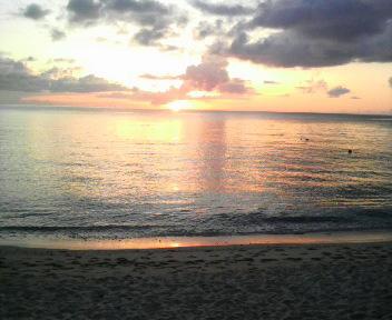 大浜海浜公園からみる夕日