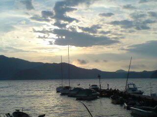 20081031 朝の湖(小)