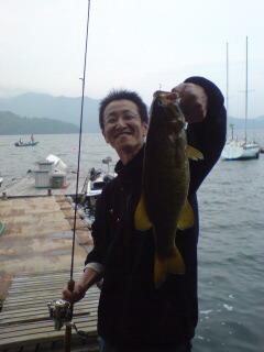 20090605 山岸君 桟橋にて