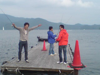 20090606 弓削さま 桟橋で楽しく
