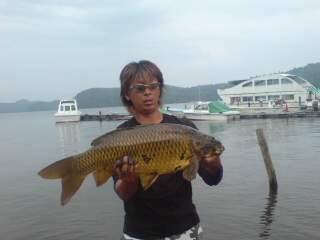 20090821 中里さん 鯉